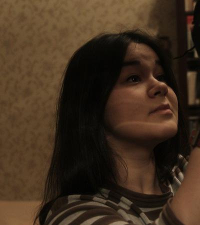 Мари Комарова