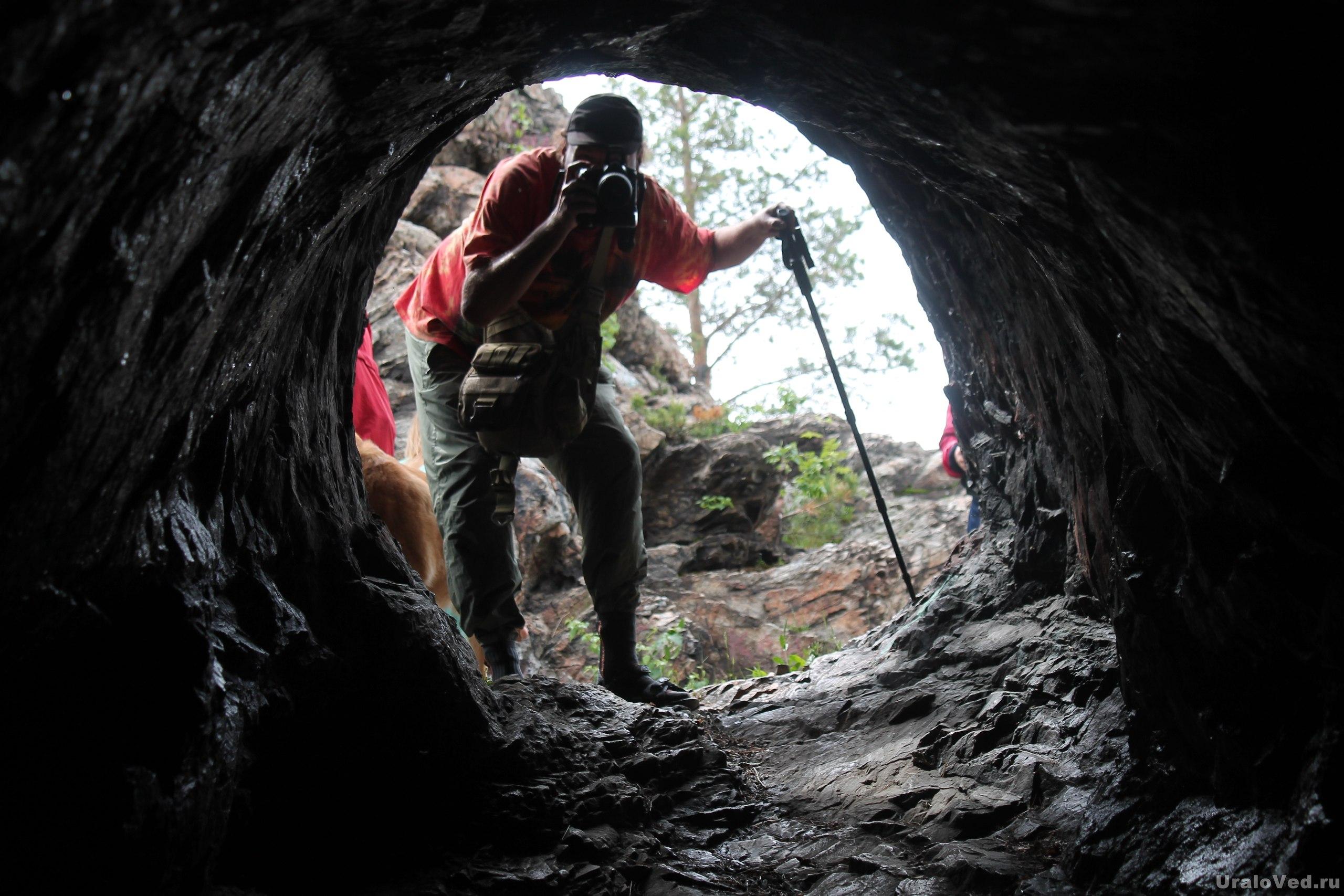Пугачевская пещера на Большом камне
