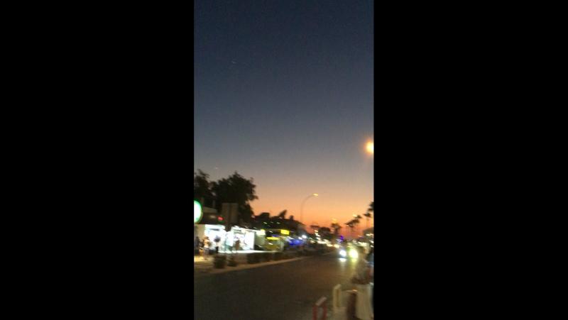 Закат на Кипре, небо разное и тачка красивая