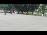 Девушки показывают грудь на улице за деньги