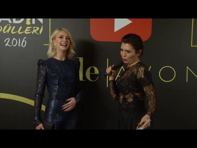 Yasemin Allen Elele Avon Kadın Ödülleri gecesinde