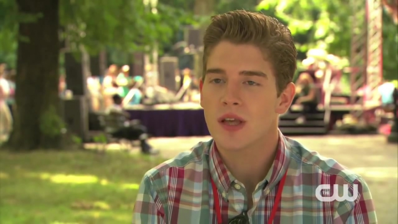 The Carrie Diaries 2x01 Brendan Dooling Interview Promo