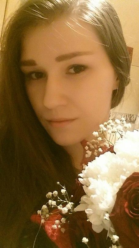 Лариса Максимова  