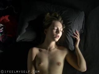 руками довели девушку до оргазма порно видео