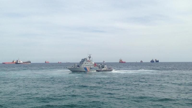 Сближение катеров береговой охраны