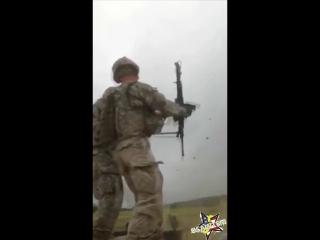Американский солдат чуть не застрелился