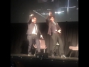 Шахрукх Кхан и Бретт Рэтнер танцуют Lungi Dance на SFFILMFestival