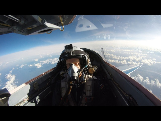 Палубный истребитель F/A-18, вид из кабины пилота