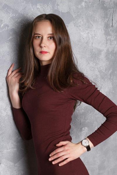 Леночка Тихомирова