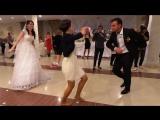 Девушка танцует лезгинку.СУПЕР ТАНЕЦ! КЛАССНО ТАНЦУЕТ.КЛАССНЫЙ ТАНЕЦ!