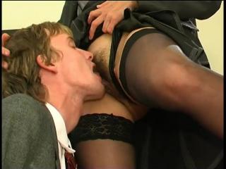 Какие позы в сексе любят директрисы фото 750-602