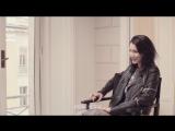 Интервью моделей перед показом бренда «Versace» (2017) (русские субтитры)