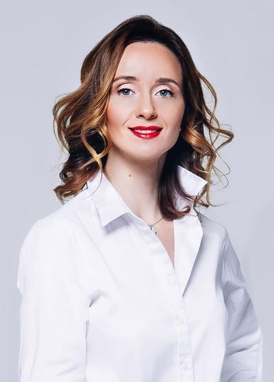 Анна Столярова