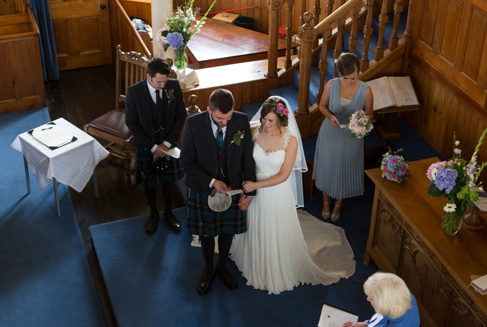 PeJsXfDVM s - Настоящая шотландская свадьба на острове (150 фото)