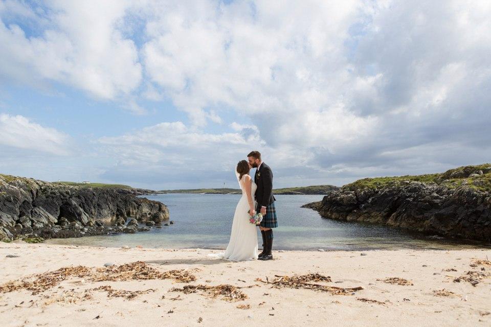 q3TLF6QOmGw - Настоящая шотландская свадьба на острове (150 фото)