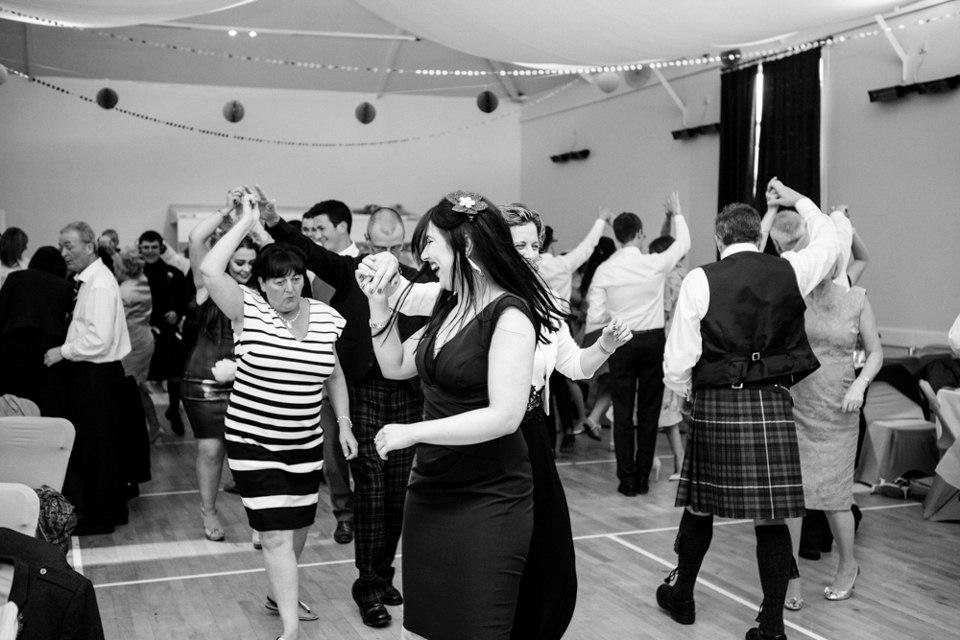 Настоящая шотландская свадьба на острове. Сайт ведущего на свадьбу Павла Июльского. Проведение и организация мероприятий в Волгограде: +7(937)-727-25-75 и +7(937)-555-20-20