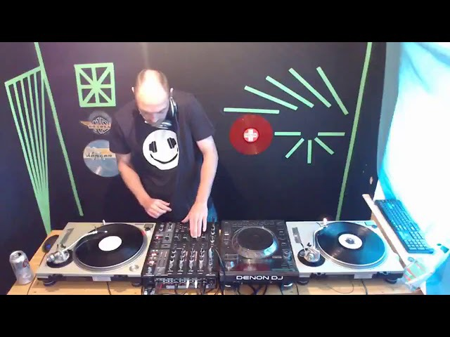 26-08-17 DJ SLB live on Hardhouse Korruption 90s classic trance