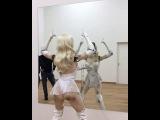 Вы такого еще не видели!Девушка - робот танцует...Woman Robot dancing...