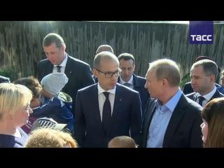 Владимир Путин посетил аварийный дом в Ижевске