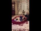 Гер ну дай поиграть, ну дай))) когда твоя тетя тоже ребёнок)))