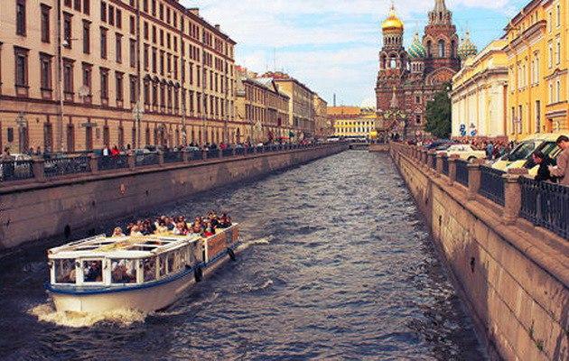 Реки и каналы Санкт-Петербурга и Москвы ЗАКРОЮТ для движения на месяц  Водные артерии Санкт-Петербурга и Москвы в июне будут закрыты для парусников, маломерных и прогулочных судов.