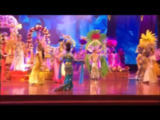 Тайское шоу в Тропическом саду