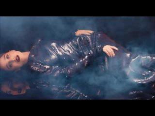 Море секса и блёсток в видеоролике Alexander Terekhov. Готовиться к Новому Году никогда не рано!