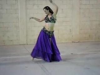Luana Pinheiro Belly Dancer 7409
