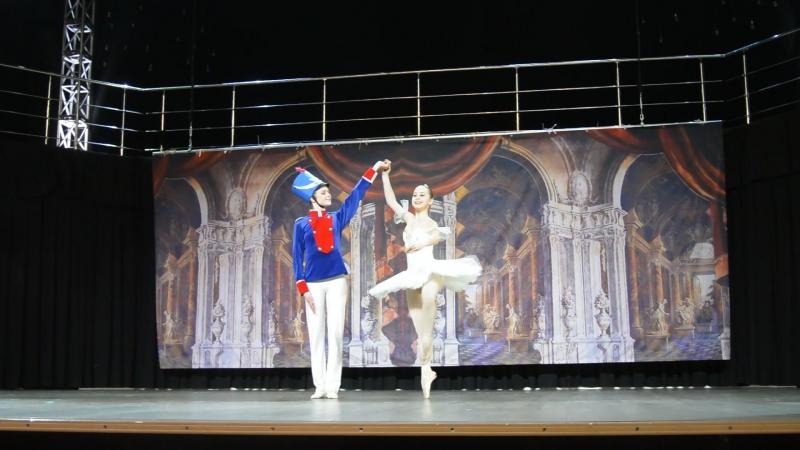 Солдатик и балеринка Колизей Настя и Вероника 01 02 2017