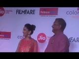 Мадхури и Нана Патекар на Marathi FilmFare awards 2017