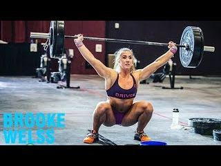 Brooke Wells -Top CrossFit Athlete / Super Strength Training