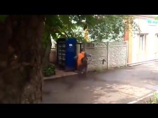 Газонокосильщик с автопилотом (6 sec)