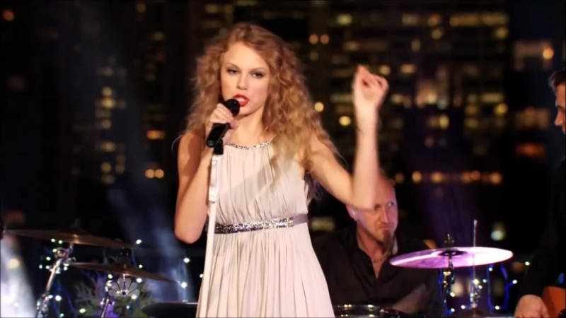Taylor Swift - The Story Of Us (Live in NYC, NBC Special 2010)