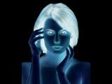 Реальность не такая как вы её видите.  Ваш мозг вас обманывает.