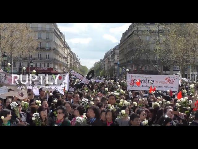 Франция: Тысячи Парижских Китайцев призывают к правосудию по поводу смерти Ли Шаою.