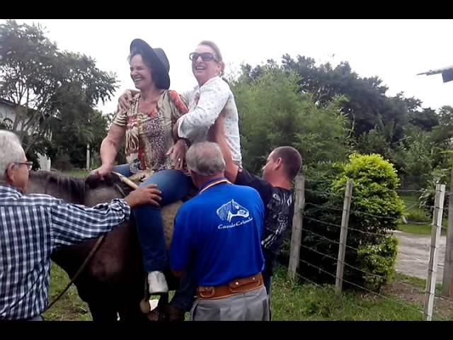 Botando a Família para andar a Cavalo