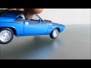 Welly 1970 dodge challenger blue scale model unboxing