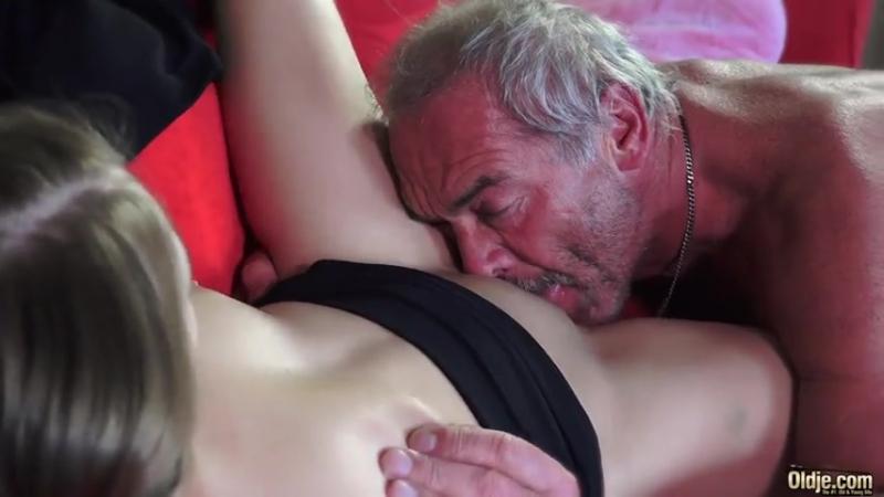 Внучка соблазн дед порно