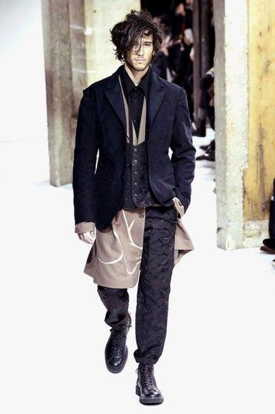 Yohji Yamamoto's 2017 Fall/Winter Collection Mixes Directional Cool an