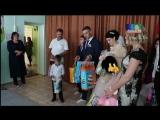 Молодожены вручили подарки детям приюта