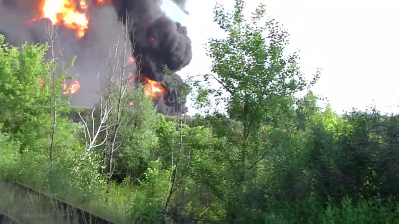 Взрыв емкостей с топливом на базе БРСМ Васильков 9 июня