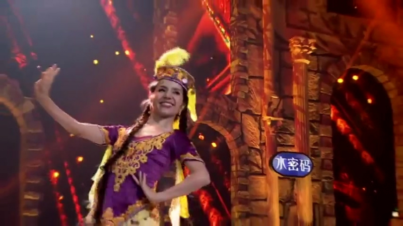 узбекский танец  Gulmira Mamat Uzbek dance 👍👍👍