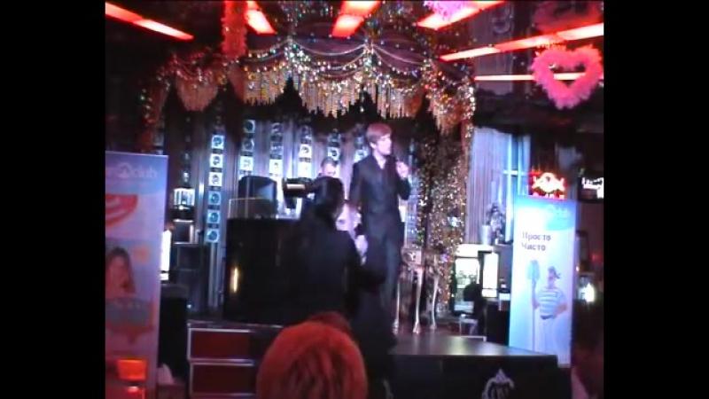 Roman Polonsky in Barsky night club