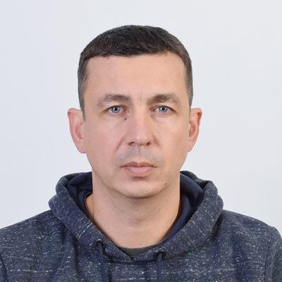 Денис Михов