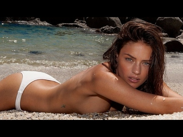 The Full Story with Jessica Buchanan | WorldSwimsuit.com
