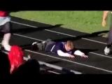 Как поступают дети с синдромом дауна, когда один из них падает
