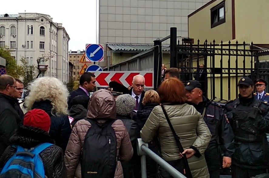 Томские пенсионерки остановили в Москве кортеж главы следкома Бастрыкина