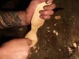 Резьба по дереву.Как вырезать красивую ложку с резной ручкой.Carving beautiful wooden spoon