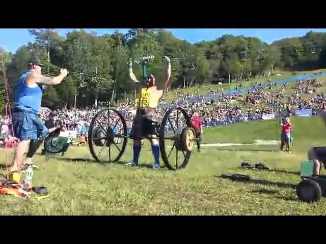 Хафтор Бьёрнсон, становая тяга выше колен - 526 кг !