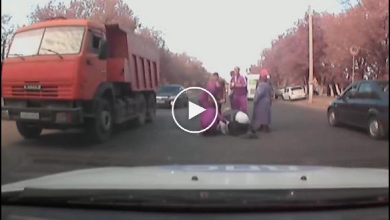 Волгоградские сотрудники ДПС задержали водителя, который сбил пешехода и скрылся с места происшествия.